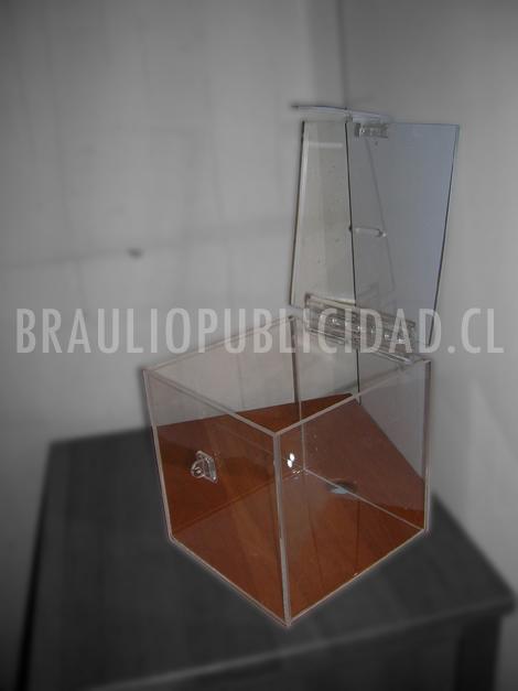 Caja acrílica transparente