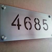 Numeración placa acero inoxidable corte laser
