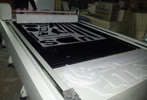 corte laser acrilico maquina de 150 x 250 cm