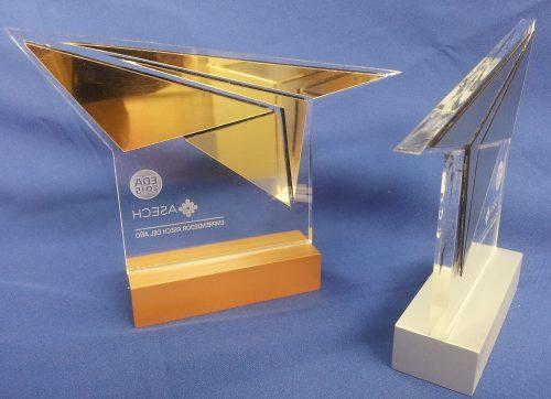galvano acrilico grabado laser con metalex efecto espejo