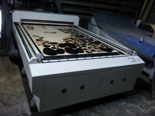 maquina corte laser maderas y acrilico 150 x 250 cm