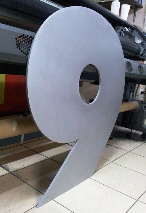 numero aluminio compuesto corte router pintado