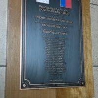 placa bronce fotograbado con soporte madera