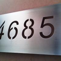 Placas numeración acero calado laser