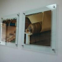 porta grafica acrilico muro 3