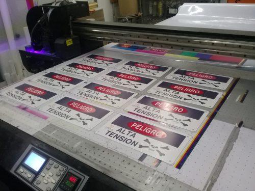 Letreros placas impresas metal corte laser