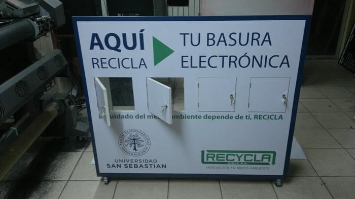 BUZONES PUBLICITARIOS DE ACRÍLICO, MADERA, CARTÓN